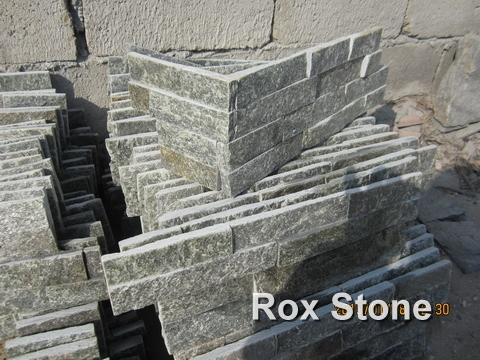 Green Quartzite Stacked Stone Veneer Corner