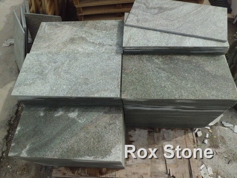 Chamfer Edge Green Quartzite Stone